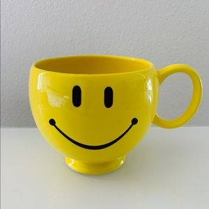 Other - 🔥 Happy smiley face yellow mug coffee vintage wor